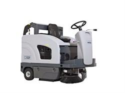 Подметальная машина с местом для оператора Nilfisk SW4000 LPG - фото 5302